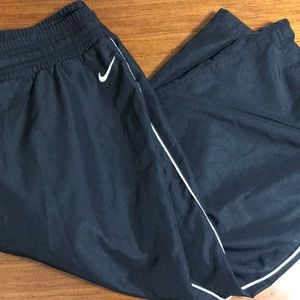 Nike Vintage black capris size medium